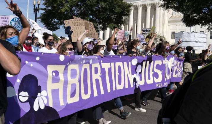 Biden lifts abortion referral ban on family planning clinics