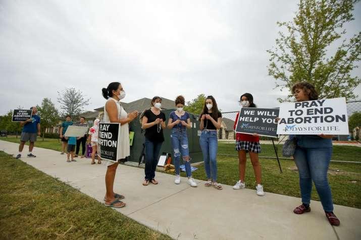 Biden administration urges judge to block Texas abortion law