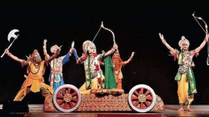 UP: Man playing 'Dashrath' dies on stage soon after pronouncing exile; audience claps for 'great' act