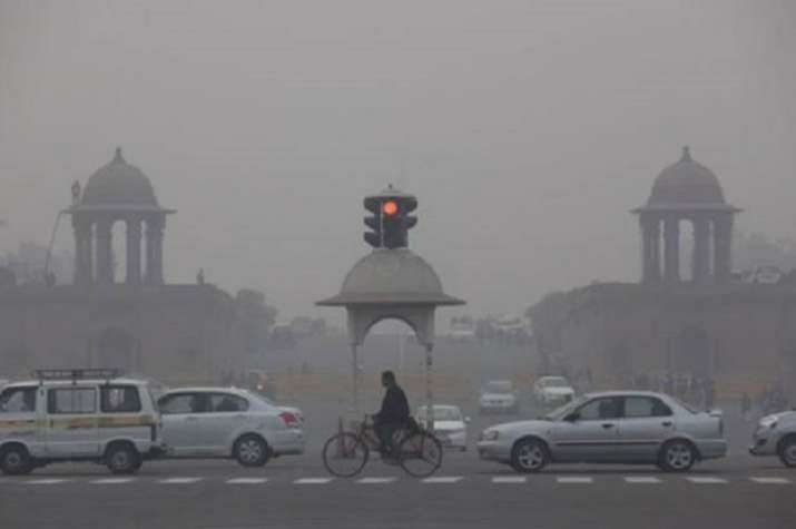 Delhi's air quality deteriorates to 'poor', AQI crosses 300 one day after Dussehra