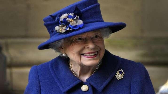 British Queen Elizabeth II, Queen Elizabeth spends night in hospital, preliminary investigations, Bu