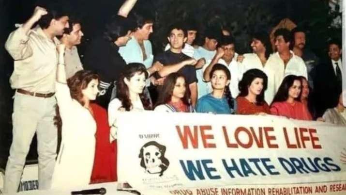Subhash Ghai shares old photo of Bollywood celebs