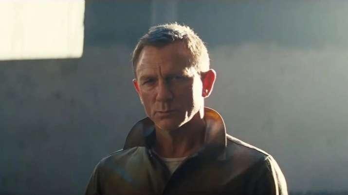 Daniel Craig hints at taking James Bond too seriously