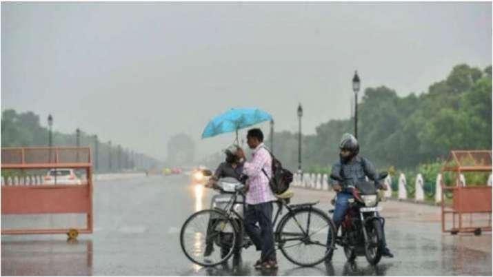 Delhi heavy rains bring down mercury waterlogging latest updates