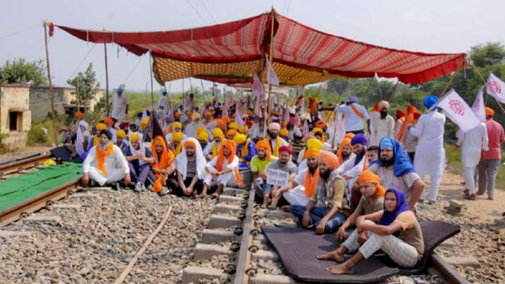 Lakhimpur incident: SKM to hold 'Rail Roko' on Oct 18 to demand dismissal, arrest of Union Minister