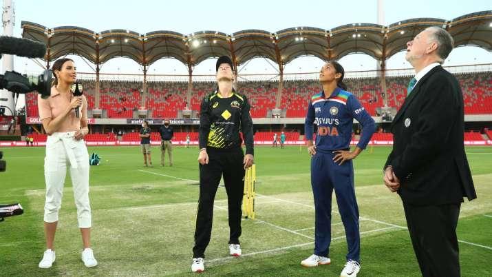 Meg Lanning of Australia and Harmanpreet Kaur of India