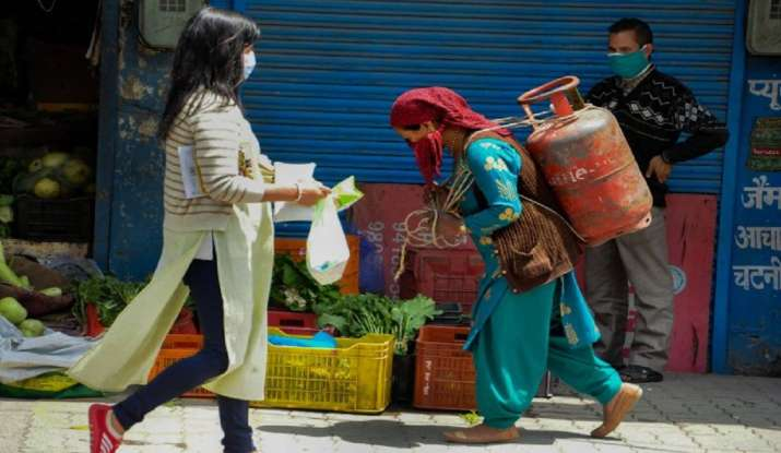 Increase in LPG prices: the price of domestic cooking gas cylinders increases by Rs 15;  revised rate effective as of today