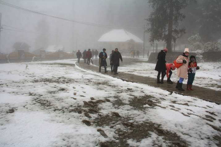 Jammu-Srinagar highway reopens after 30 hours