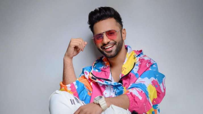 Rahul Vaidya receives death threats for mentioning deity's name in new song 'Garbe Ki Raat'