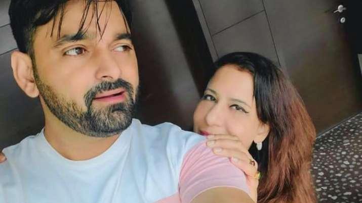 Manoj Tiwari's first wife Rani dating Ekam Bawa