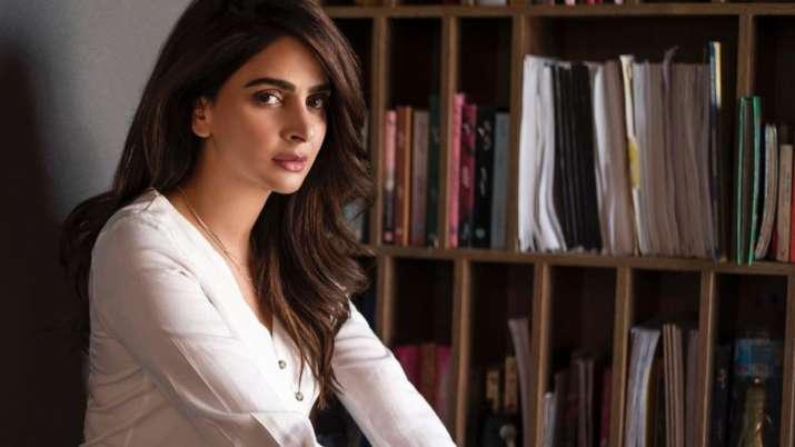 Pak court indicts 'Hindi Medium' star Saba Qamar for shooting dance video at Lahore's historical mos