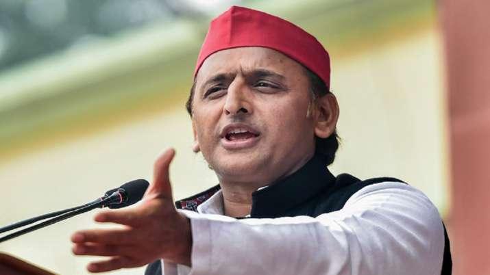 BJP only knows 'jeebh chalana' and 'jeep chadhana': Akhilesh Yadav