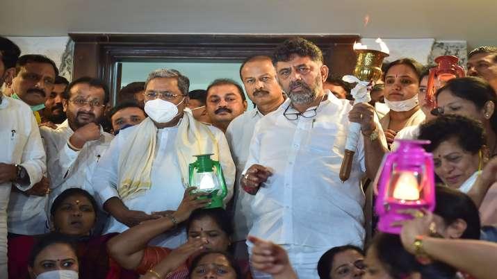 Bengaluru: KPCC President D K Shivakumar with former