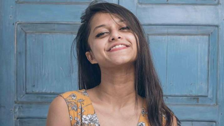 'Manike Mage Hithe' singer Yohani to make her Bollywood debut with Ajay Devgn starrer Thank God