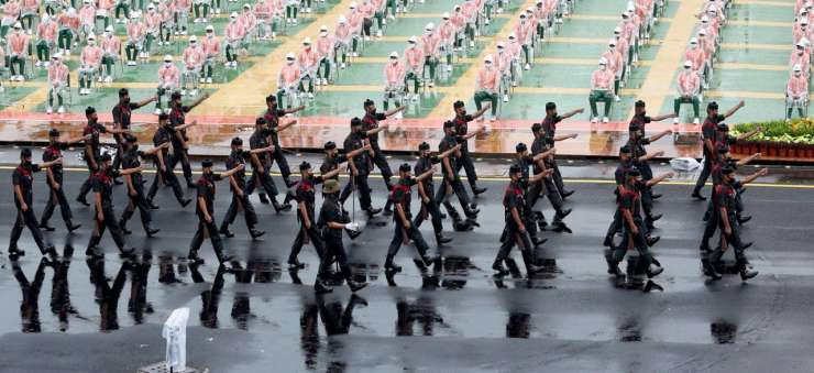 Soldiers marching during the full dress rehearsal of Independence Day 2020 - India Tv