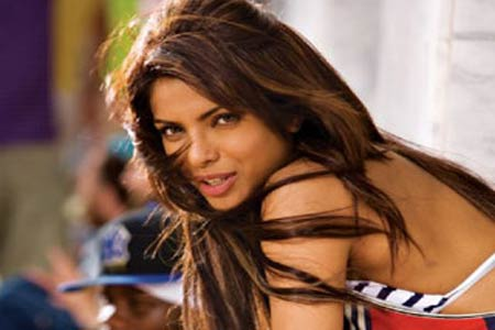 I Am Not Part Of Dostana 2 Says Priyanka Chopra Bollywood