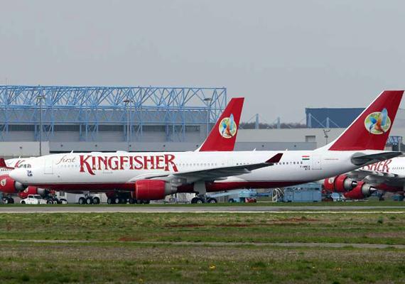 cbec freezes kingfisher s bank account