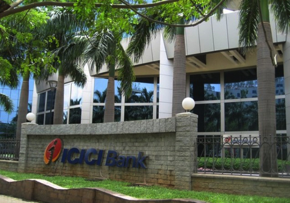 icici bank to pay customer rs 25k for freezing his account