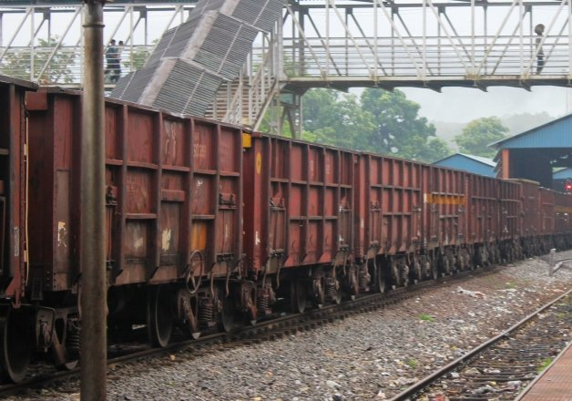 rail budget time tabled freight container parcel train from