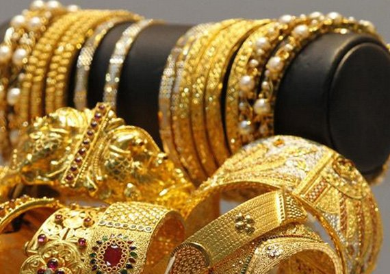 gold futures jump to rs 27 147 per 10 gm