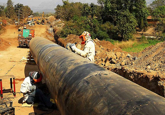 india offers export of gas to pakistan