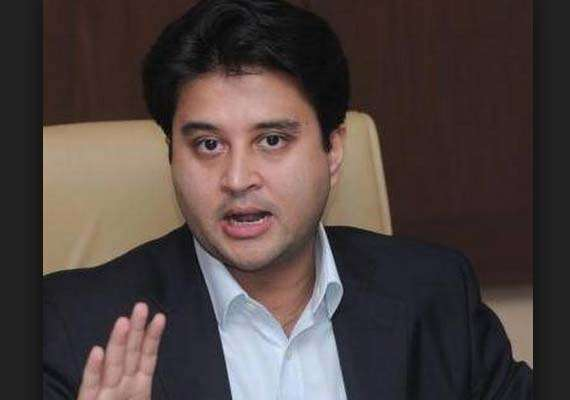 jyotiraditya scindia seeks solution on fuel for 21 bn worth