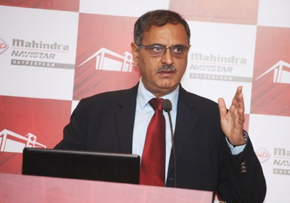 mahindra navistar rolls out 5 000th truck from pune plant