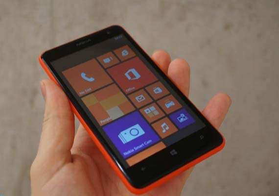 nokia launches the lumia 625 a 4g windows phone at rs 17 300