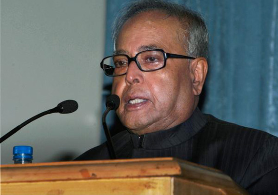 there is no trust deficit between industry govt says pranab