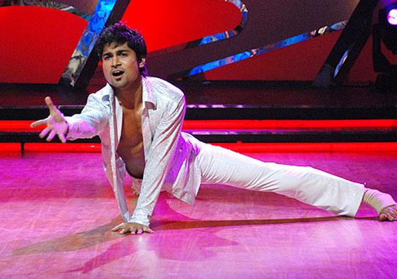 Dance India dance winner Salman breaks his backbone during