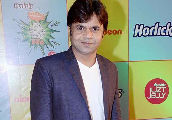 Delhi HC allows Rajpal Yadav to travel abroad | Bollywood News