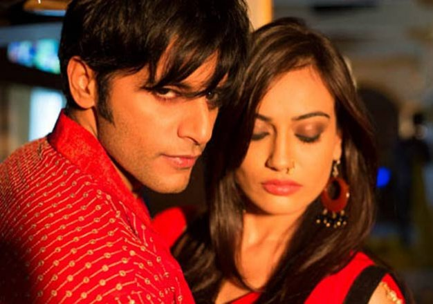 Qubool Hai: Sanam uses black magic on Aahil, turns him into