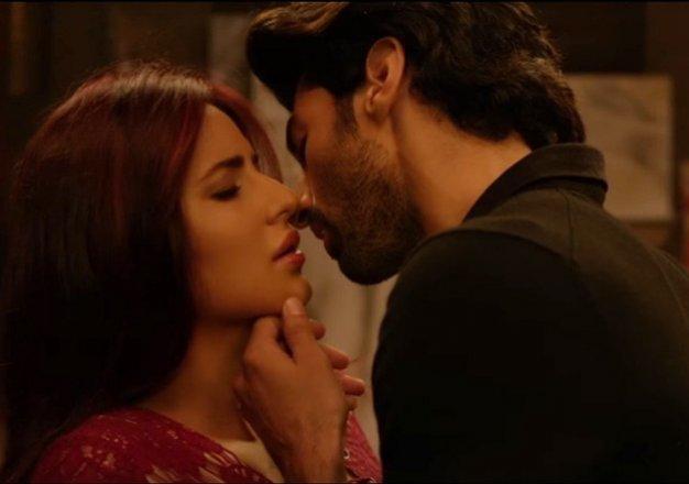 watch video katrina and aditya roy s intimate scenes from