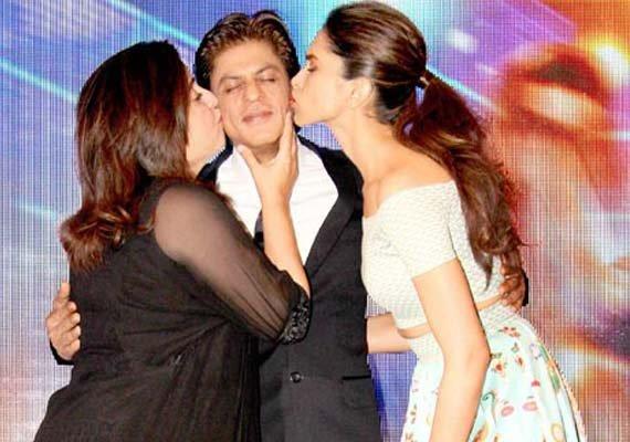 farah deepika s kissing spree with shah rukh khan