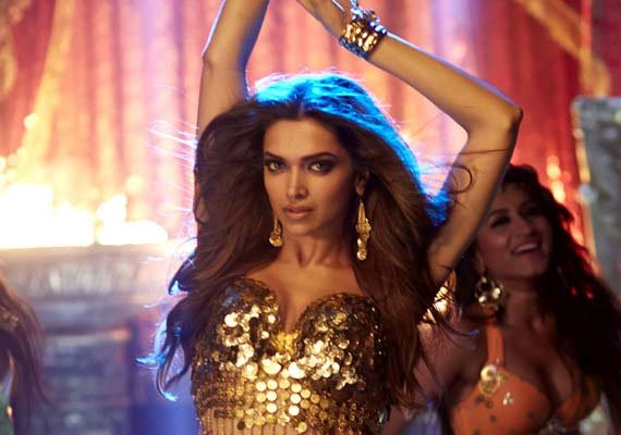 deepika padukone with hny once again becomes rs 100 cr