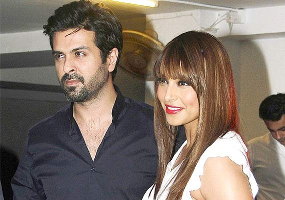bipasha harman relationship only love no scuffles see pics