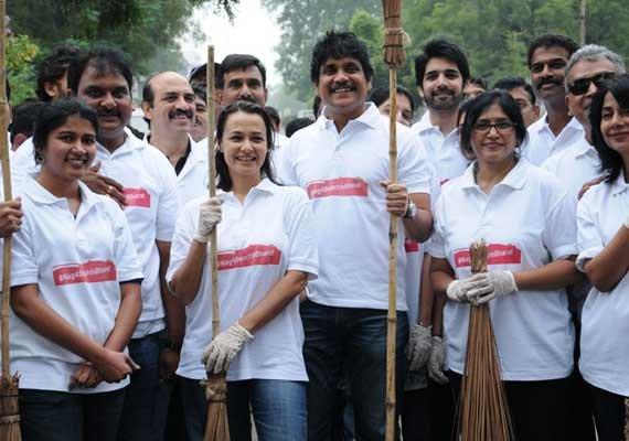 nagarjuna unveils website to promote swachh bharat