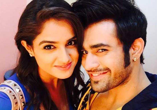 Phir Bhi Na Maane Badtameez Dil Asmita Sood is dating Pearl