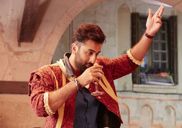Tamasha earns Rs 38cr in three days, 'superstar' Ranbir Kapoor back in  saddle | IndiaTV News | Bollywood News – India TV
