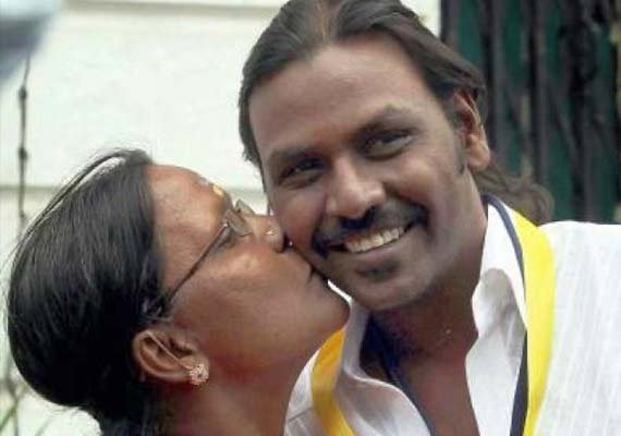 raghava lawrence to build temple for his mother