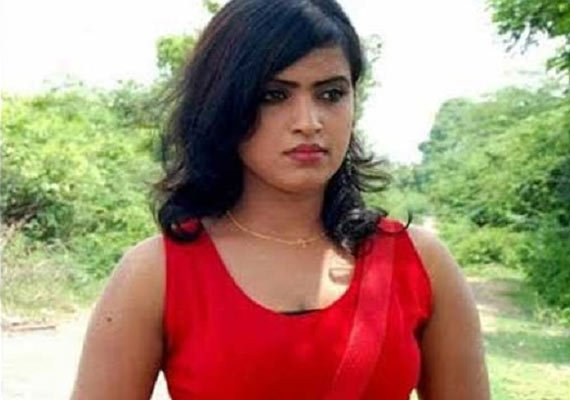 tamil actress shruthi chandralekha kills husband who forced
