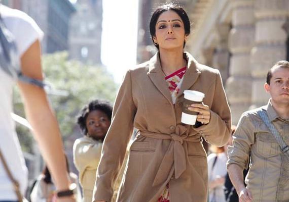 Film Review Sridevi Shines In English Vinglish Bollywood News India Tv