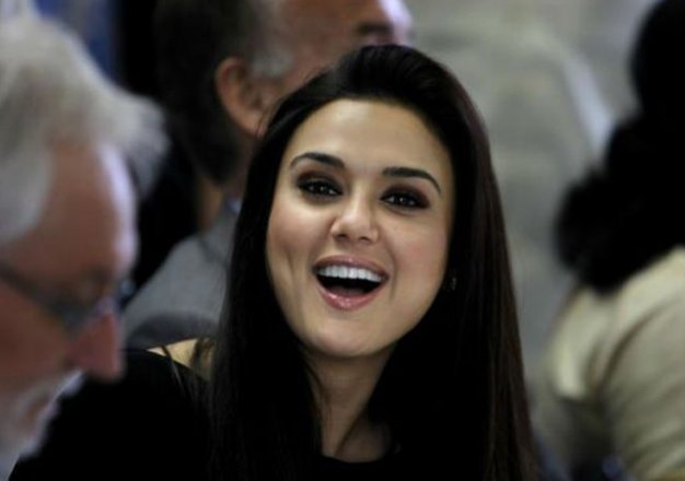 wedding with a noble cause preity to auction wedding