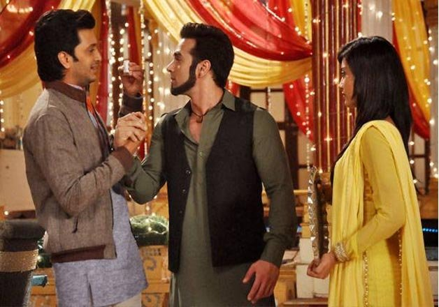 Riteish Deshmukh, Pulkit Samrat promote Bangistan on Zee TV