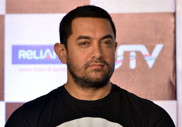 aamir khan to launch his nephew pablo with dangal