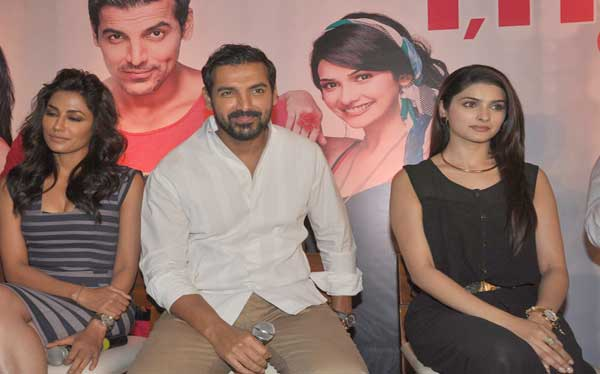 John Abraham on date with TV journalists | Bollywood News – India TV