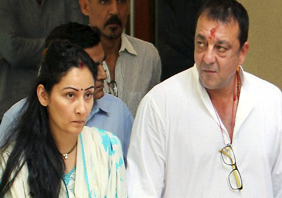 manyata to surprise sanjay dutt on his birthday