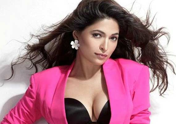 parvathy omanakuttan complains for debut flick being not