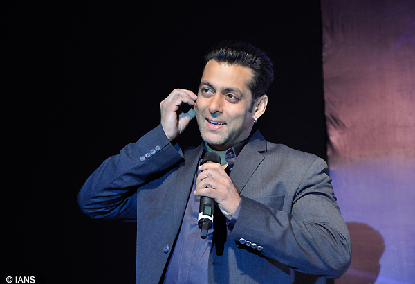 salman khan is highest tax payer in bollywood