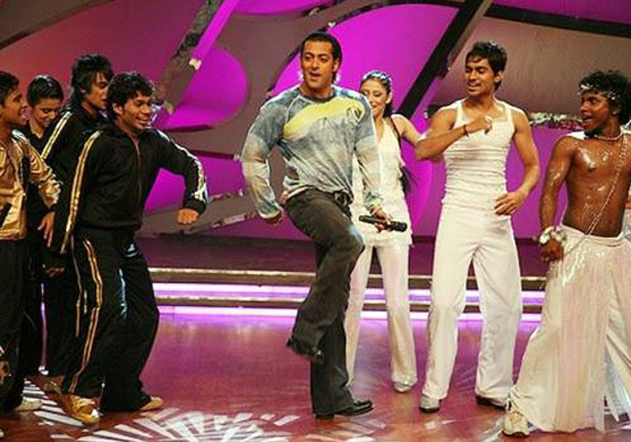 salman to do item number in ajay s film for free